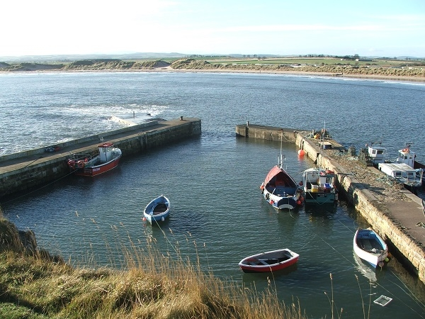 Self catering accommodation near Seahouses and Bamburgh, nestled on